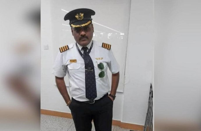 راكب هندي يتقمص شخصية طيار للحصول على مقاعد مريحة