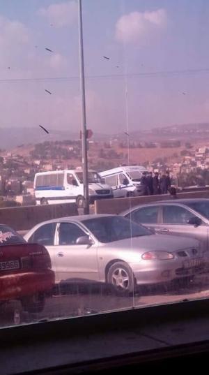 بالصور .. تعزيزات امنية بمحيط جامعة جرش والامن : محطة أمنية احترازية