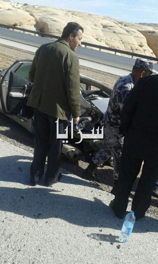 بالصور .. العقبة : اصابة 3 اشخاص بينهم سائحين فرنسيين اثر تدهور مركبتهم