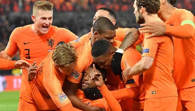 منتخب هولندا يطيح بفرنسا بطلة العالم في دوري الأمم الأوروبية