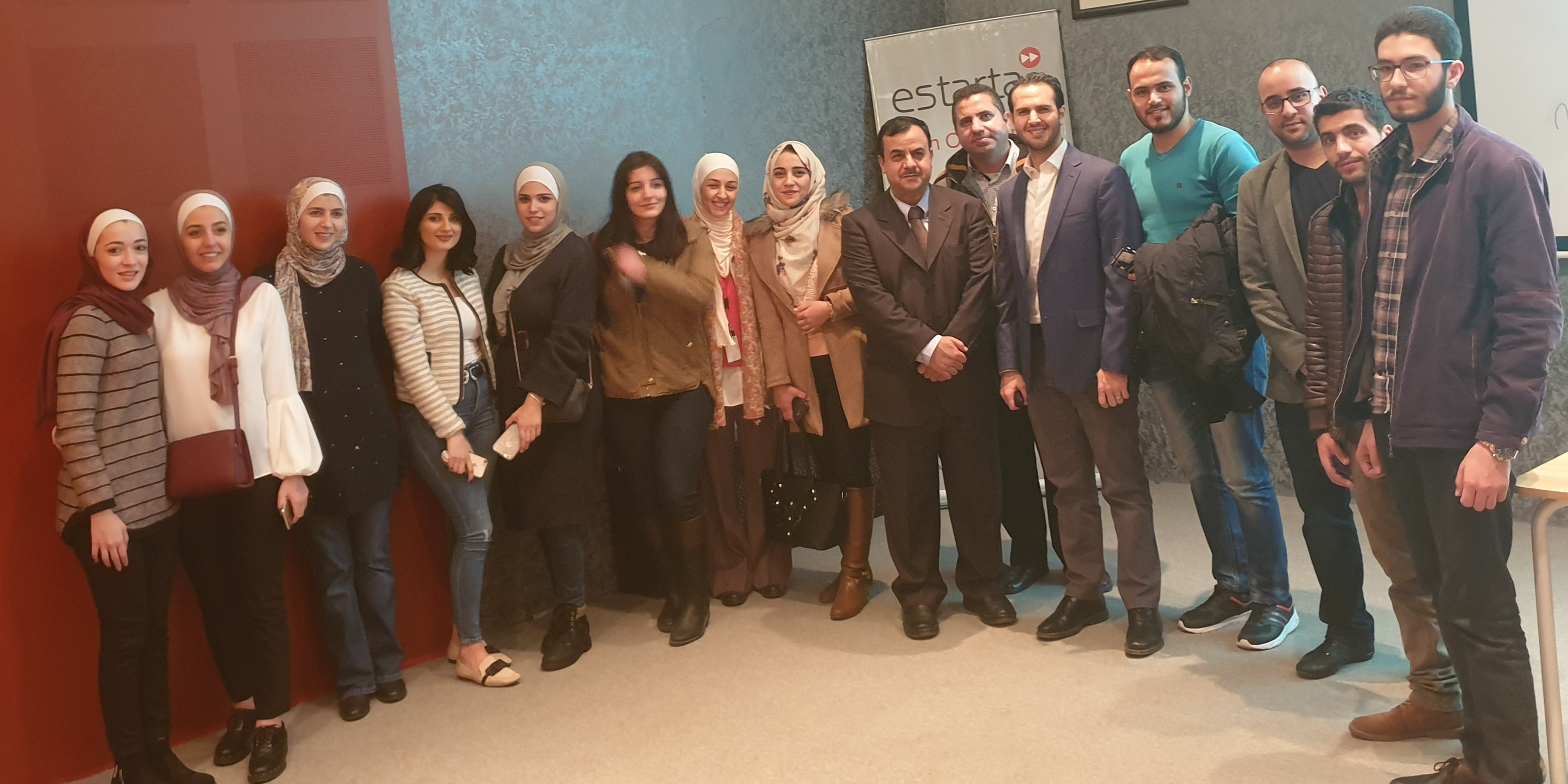 """طلبة """"عمان العربية"""" يتأهلون في برنامج تدريبي لغايات التشغيل"""