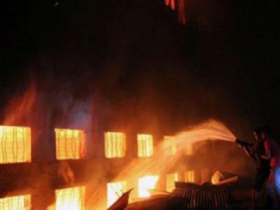 إربد : شغب وإحراق منزل إثر جريمة قتل في الطيبة