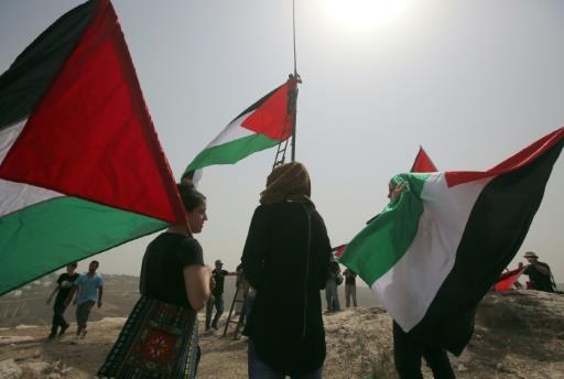 المصادقة على قانون حظر رفع العلم الفلسطيني سيشكل أزمة أمنية ودبلوماسية
