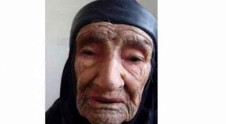 وفاة طبيبة شعبية أردنية معمرة لها من الأبناء والأحفاد نحو ٣٠٠