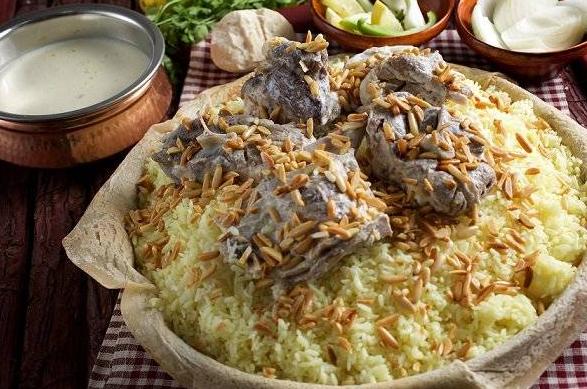 """بعد مأدبة عشاء أطاحت بوزيري الداخلية و العدل  ..  أردنيون:""""عقبال أبو الطبايخ"""""""