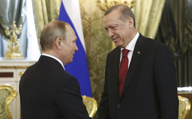 أردوغان وبوتين يتفقان على التشاور لخفض التصعيد في إدلب