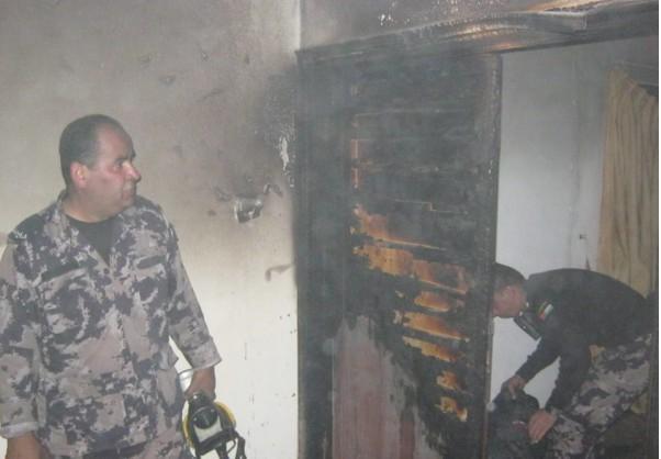 الدفاع المدني تتمكن من السيطرة على حريق منزل في محافظة جنين ..  صورة