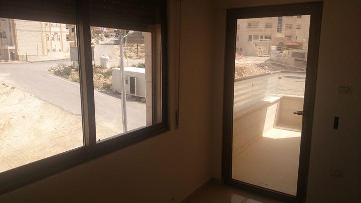 شقة للبيع بسعر مغري في ابو نصير