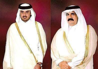 أمير قطر يسلم السلطة لابنه ولي العهد ويتسلم منصبا فخريا