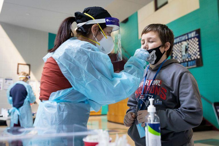 عند اكتشاف إصابات كورونا ..  3 خطوات لتعامل المدارس مع الطلاب