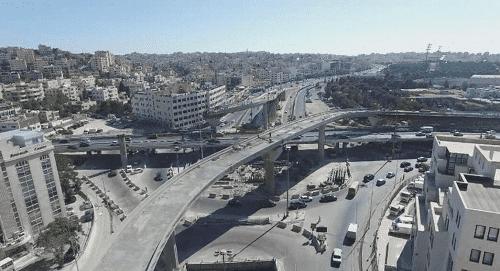 شخص يحاول الانتحار فوق جسر المدينة الرياضية وسط العاصمة عمان