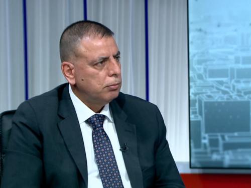 وزير الداخلية يعلن بدء استقبال المسافرين عبر الحدود البرية مع السعودية