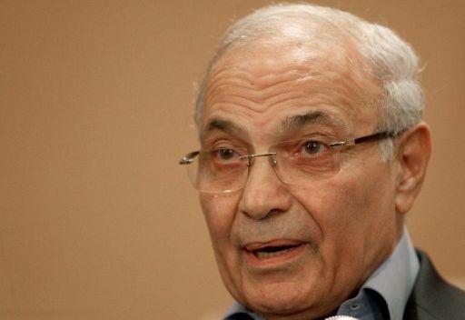 النائب العام المصري يطالب الإنتربول بضبط شفيق