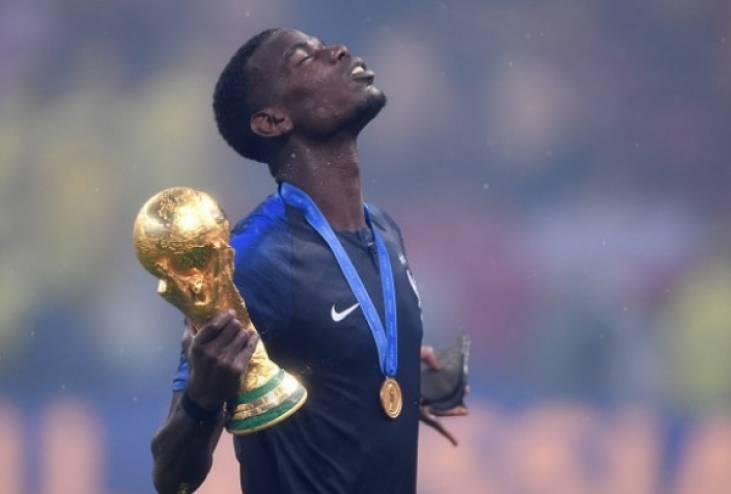 بوجبا يعتزل اللعب مع منتخب فرنسا بعد تصريحات ماكرون