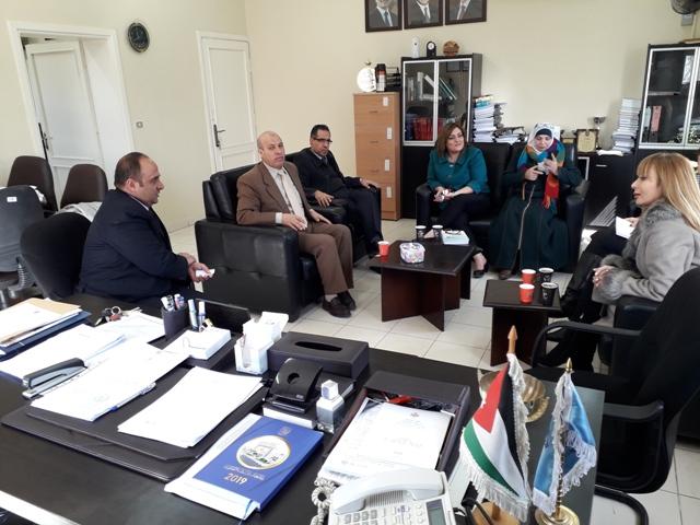كلية الحقوق في جامعة عمان الأهلية تستقبل وفدا من الشبكة القانونية للنساء العربيات