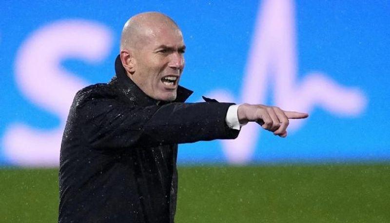 رحيل زيدان ..  جمهور ريال مدريد يختار مدربه الجديد