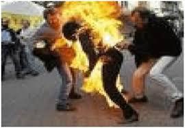 شاب يمني يحرق نفسه لعدم تزويجه الفتاة التي يحبها