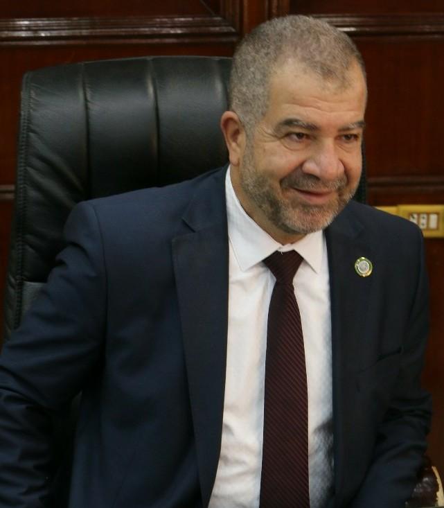 ابو السكر يستهجن عدم دعوته لاستقبال جلالة الملك لافتتاح مسجد العرب في الزرقاء