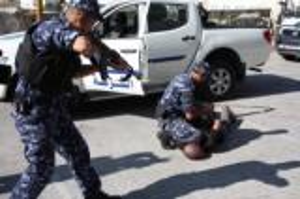 الشرطة تكشف ملابسات سرقة 3 مساجد في الخليل