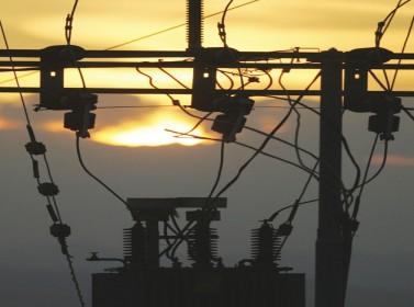 شركات التوزيع تبدأ باحتساب تعرفة الكهرباء الجديدة